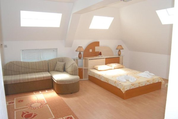 Andonov Guest House - фото 3