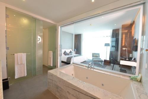 Ramee Grand Hotel And Spa - фото 12