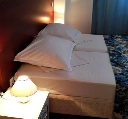 Sofia Place Hotel - фото 4
