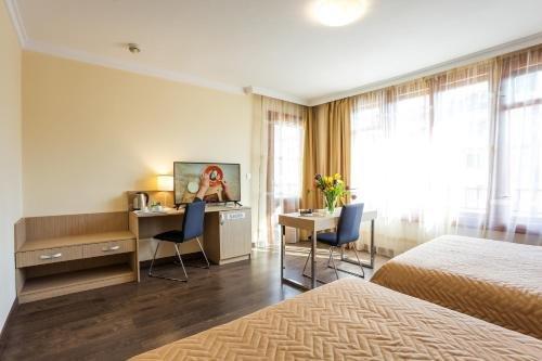 Geneva Hotel - фото 1