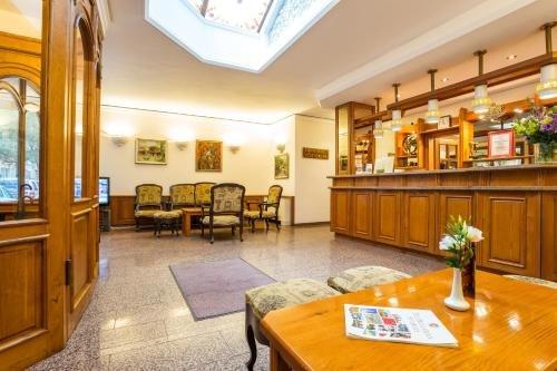 Geneva Hotel - фото 8