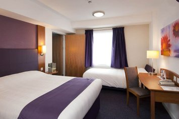 Premier Inn Cheltenham Central