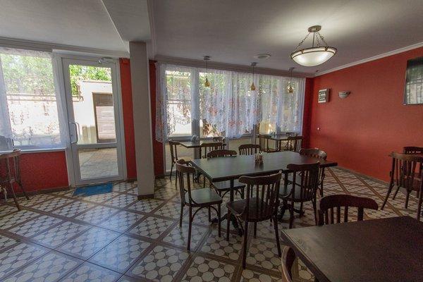 Гостевой дом У Моря на Радужной Улице 19 - фото 11