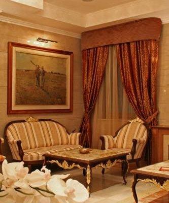 Danube Hotel - фото 1