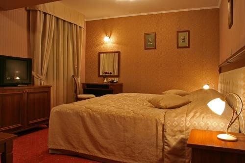 Danube Hotel - фото 2