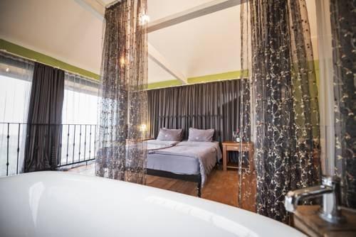 Шато Мере отель - фото 1