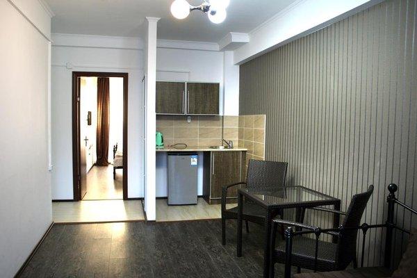 Отель Mgzavrebi Bakuriani - фото 13