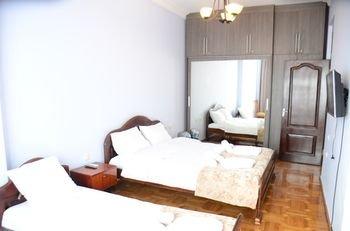 Batumi Globus Hostel - фото 9