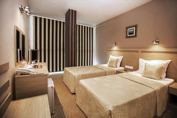 Expo Hotel - фото 2