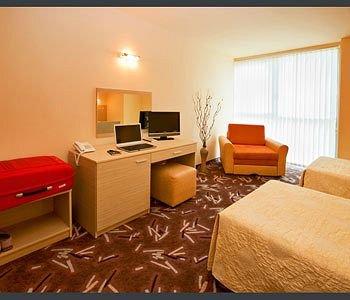 Expo Hotel - фото 8