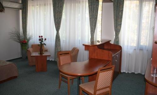 Hotel Nicol - фото 8