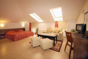 Hotel Alafrangite - фото 4