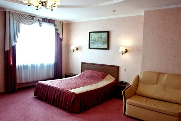 Гостиница Октябрьская - фото 1