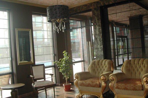 Apartments in Chateau Del Marina Complex - фото 1
