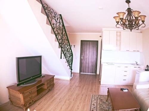 Apartments in Chateau Del Marina Complex - фото 13