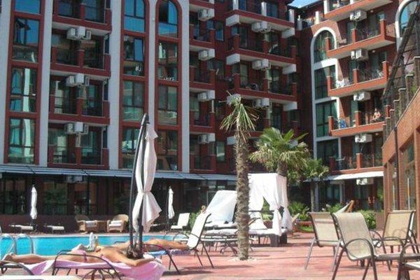 Apartments in Chateau Del Marina Complex - фото 3