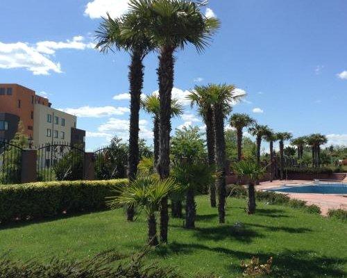 Apartments in Chateau Del Marina Complex - фото 5