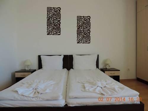 Апартаменты Фетисови в гостиничном комплексе Бей Вю - фото 1
