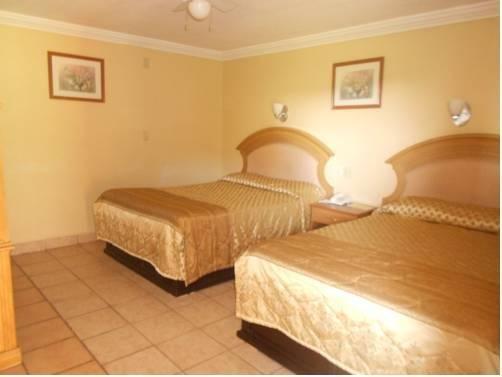 HotelCo Inn - фото 4