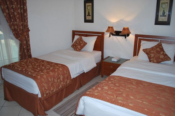 Al Deyafa Hotel Apartments - фото 2
