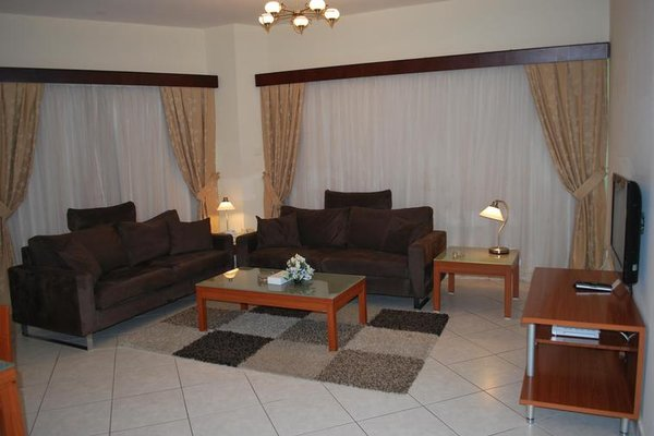 Al Deyafa Hotel Apartments - фото 3