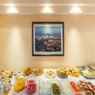 Hiona Holiday Hotel - фото 1