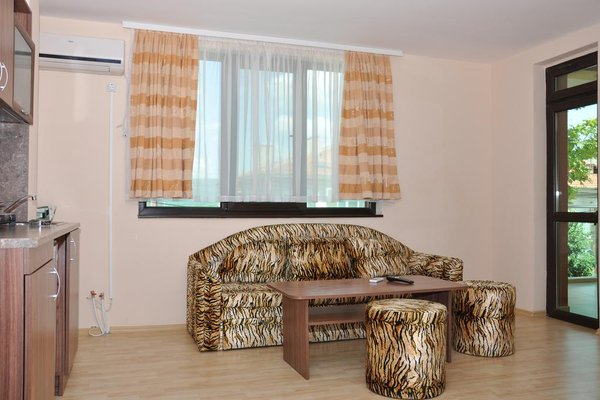 Hotel Jaki - фото 1