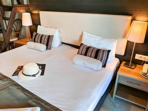 Meliton Inn Hotel & Suites - фото 1