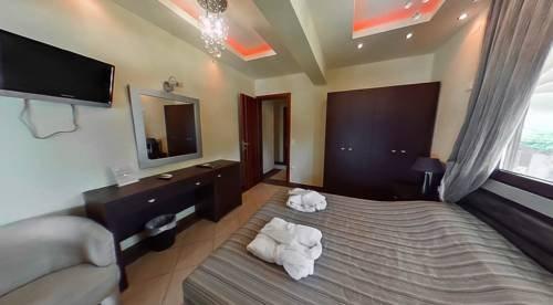 Meliton Inn Hotel & Suites - фото 5