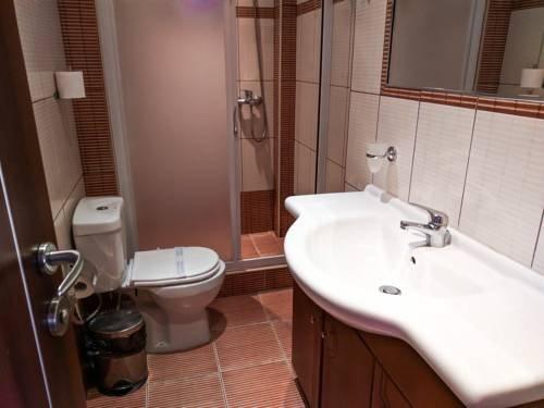 Meliton Inn Hotel & Suites - фото 9