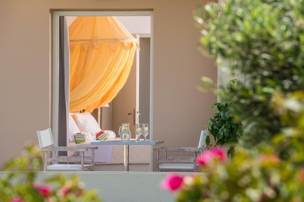 Notos heights Hotel & Suites - фото 5