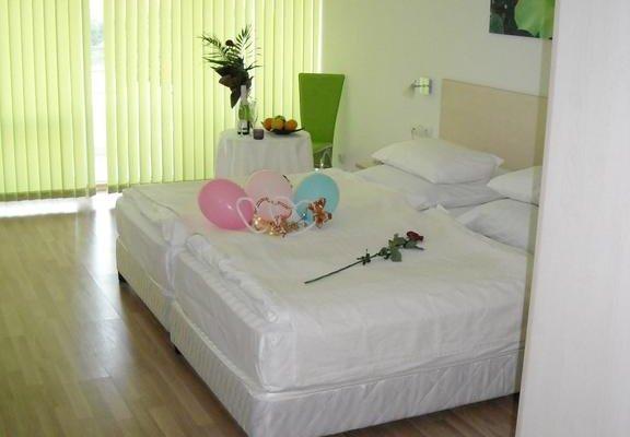 Hotel Romance - фото 1