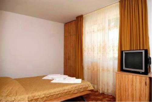 Blyan Family Hotel - фото 1