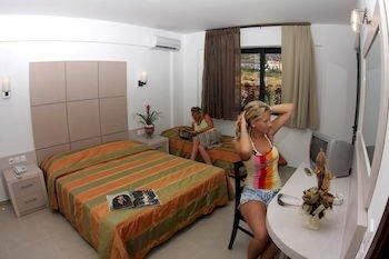 Hersonissos Village Hotel & Bungalows - фото 1