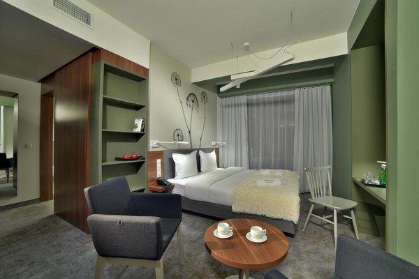 In Between Hotel by Vanilla - фото 3