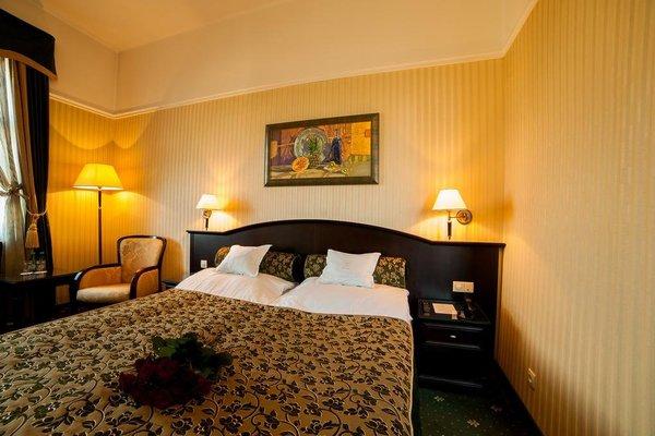 Hotel President - фото 1