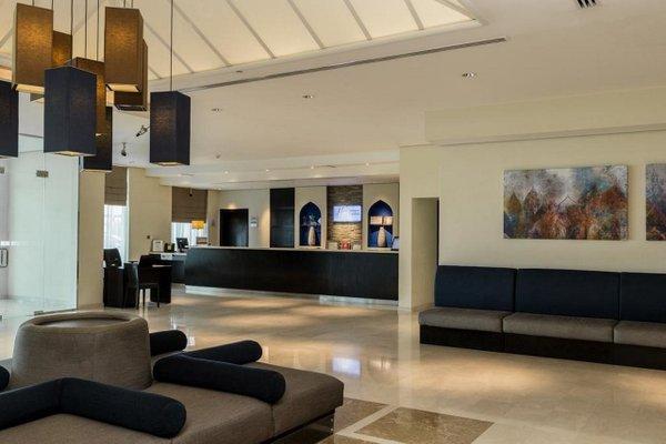 Holiday Inn Express Dubai Airport - фото 8