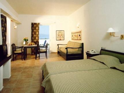 Istron Bay Hotel - фото 1