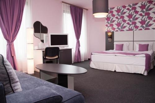 Hotel Gran Via - фото 2