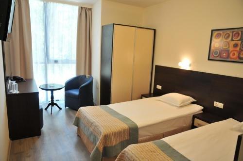 Hotel Burgas Free University - фото 2