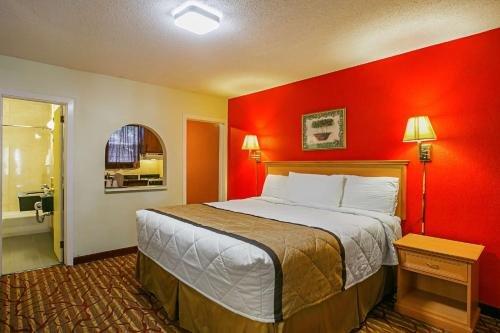 Photo of Bay Side Inn & Suites