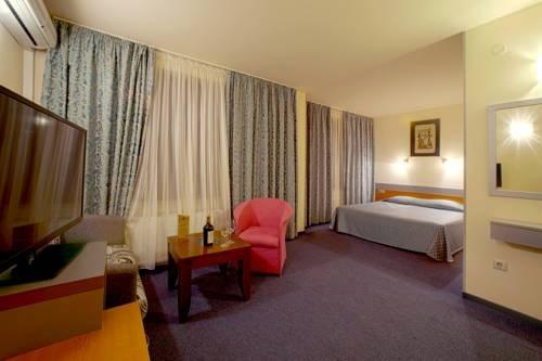 Hotel Luxor - фото 4