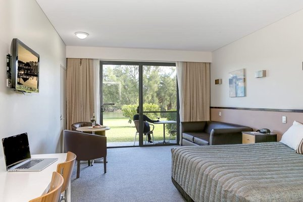 Macquarie Inn - фото 2