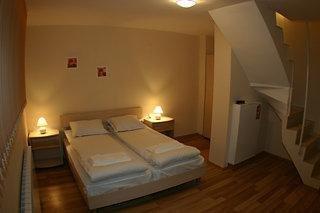 Snowplough Apartments - фото 2