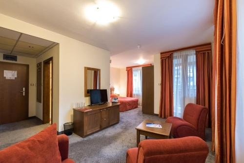 Evelina Palace Hotel - фото 3
