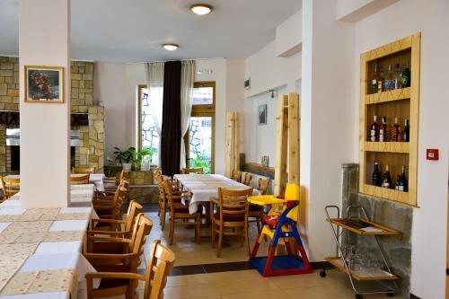 Family Hotel Vihren - фото 14