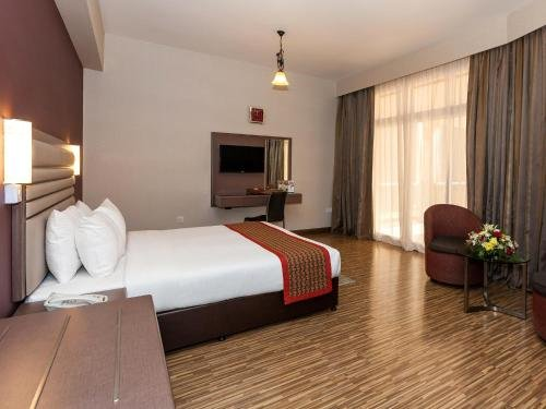 Florida International Hotel - фото 5