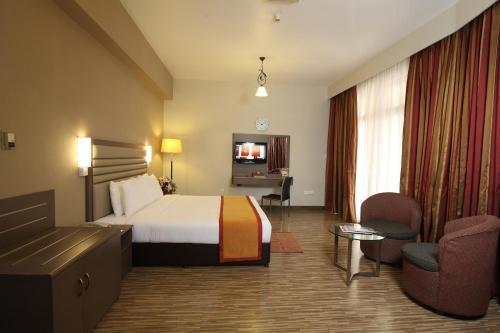 Florida International Hotel - фото 6