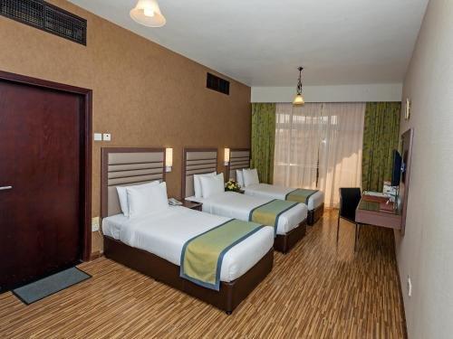 Florida International Hotel - фото 9