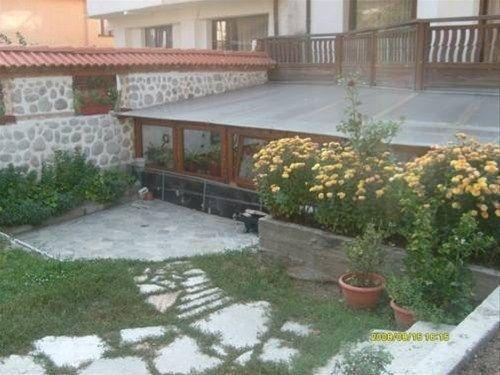 GUEST HOUSE PIRINA - фото 2